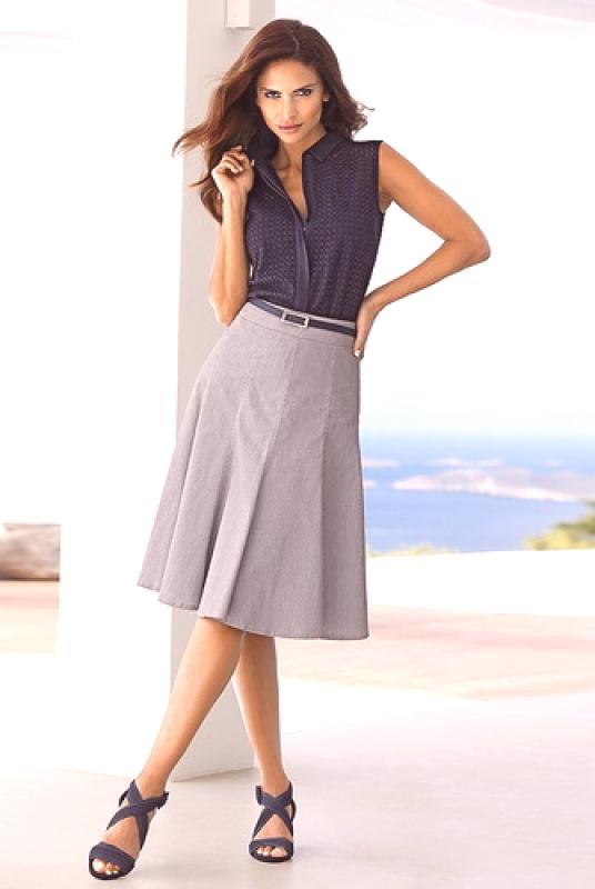 Moderne Suknje Godine Fotografije Prekrasnih ženskih